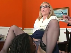 Nathan Threat gives Nina Hartley a glimpse of his mighty pecker and then licks her pussy, hoping that later she will bend down and let him in. Hawt milf knows no shame.