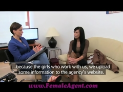 FemaleAgent Charming web camera model steals the show
