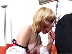 Elegant stud licks twat blond