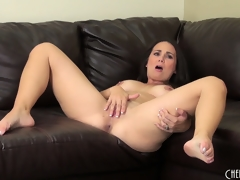 Holly West discloses her big scoops then plays with sex toys for solo pleasure