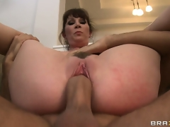 Now that her furry front has been fucked it's time for the facial