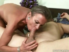 Lusty mature lady getting her exasperation drilled