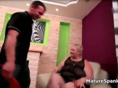 Gorgeous big beautiful woman suckles a lads horseshit